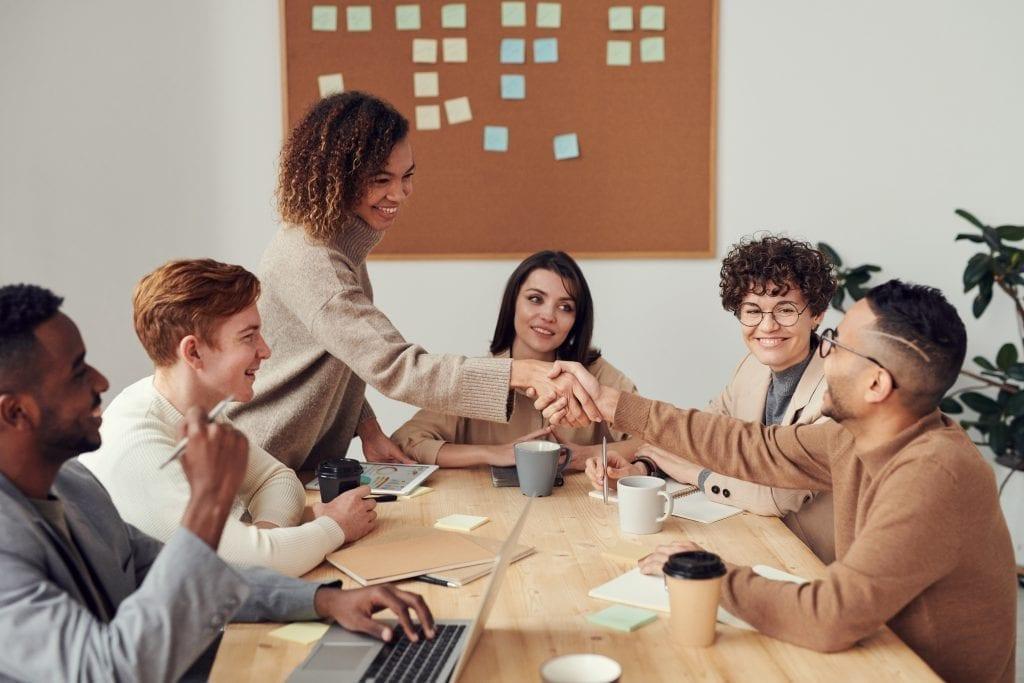 Empresa atuando como uma consultoria empresarial